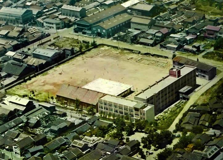 1968年校舎空撮